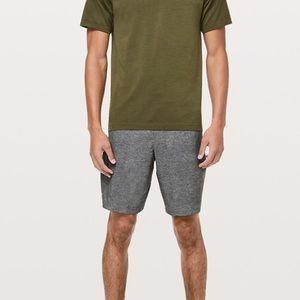 """Men's lululemon Pacebreaker shorts 9"""" Medium"""